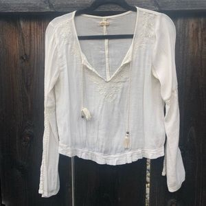 Hollister boho crop top with bell sleeves size S